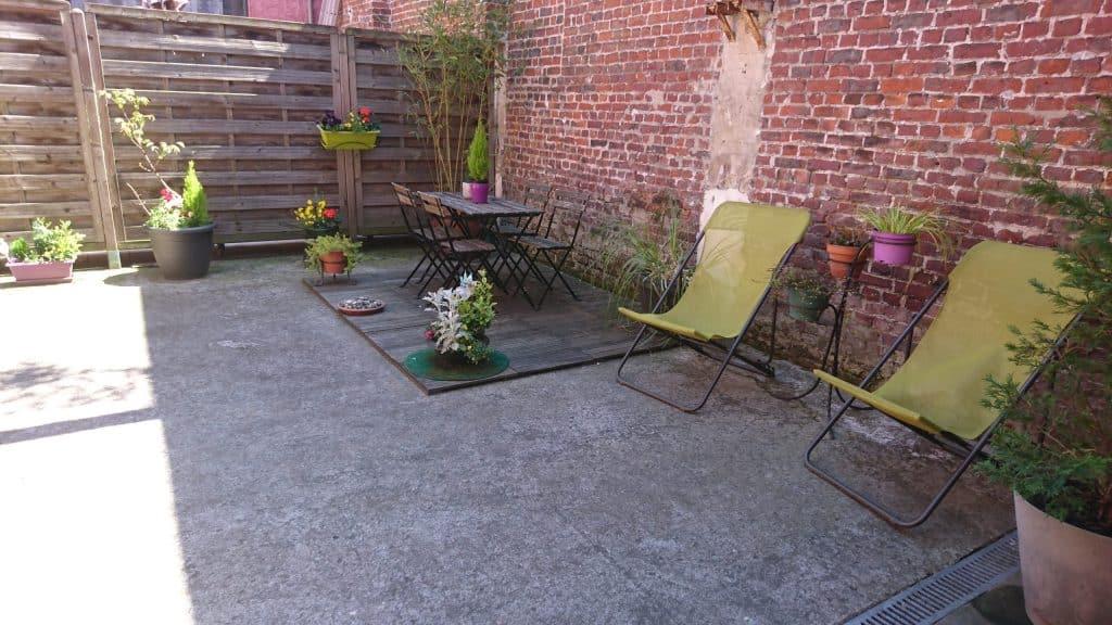 La terrasse et ses transats
